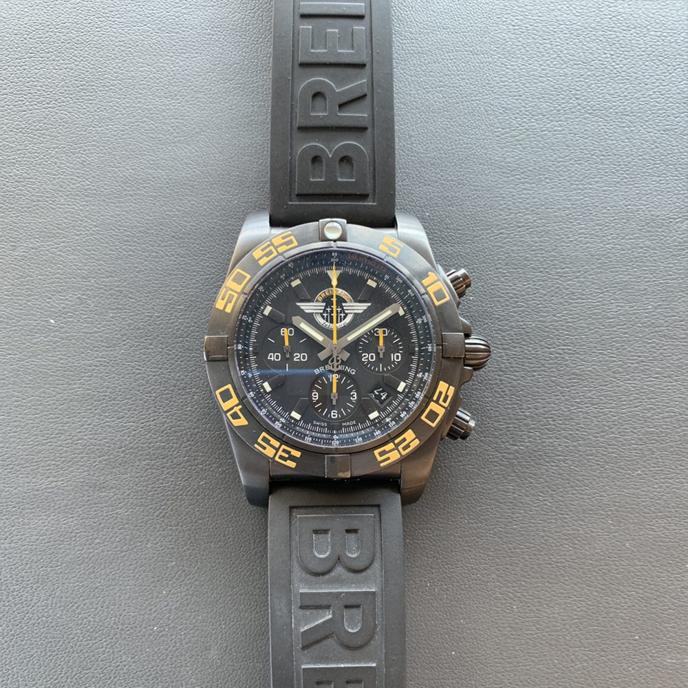 Breitling MB01109P-1